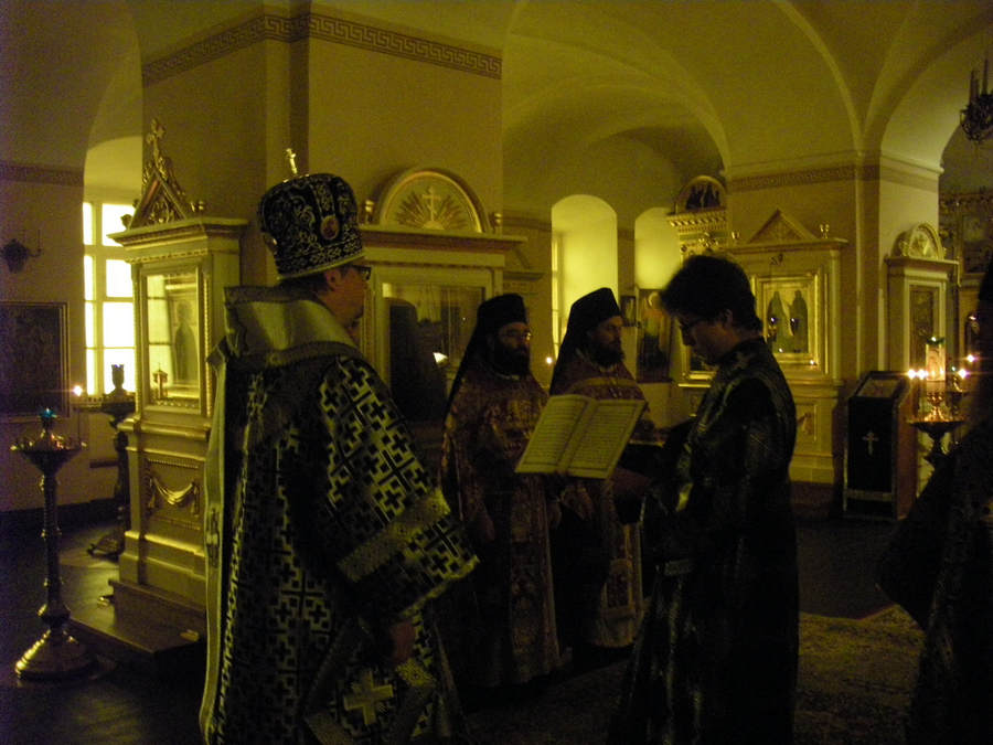 священноархимандрит Коневского монастыря совершил Великое повечерие с чтением канона Андрея Критского