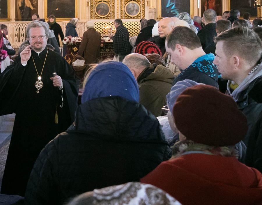 Духовенство и миряне Выборгской епархии искренне поздравляют Преосвященнейшего Игнатия с 45-летием со дня рождения