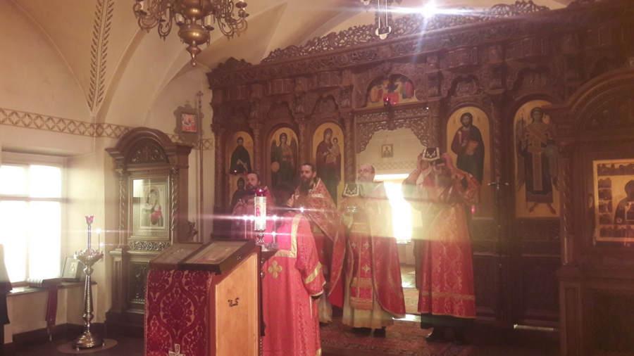 Всенощное бдение и Литургию торжественно совершили в день памяти Георгия Победоносца в Коневской обители