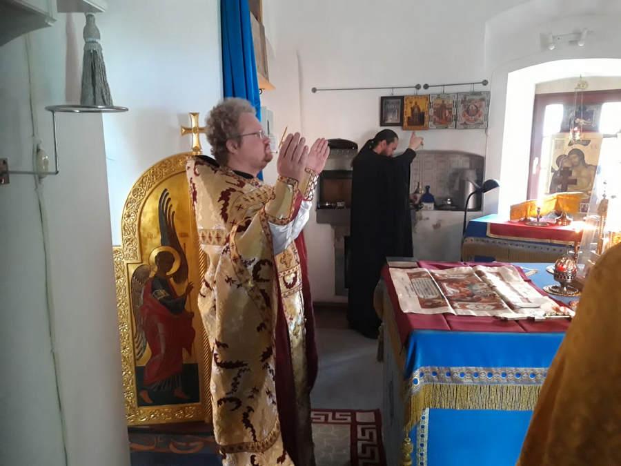 Преосвященнейший Игнатий совершил Божественную литургию в Казанском скиту Коневского монастыря