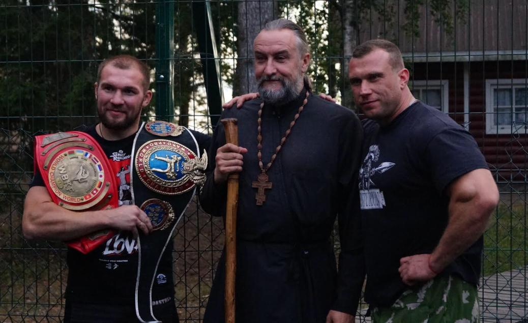 Для ребят из лагеря при Коневской обители  прошел мастер-класс по самообороне  при участии звезд спорта