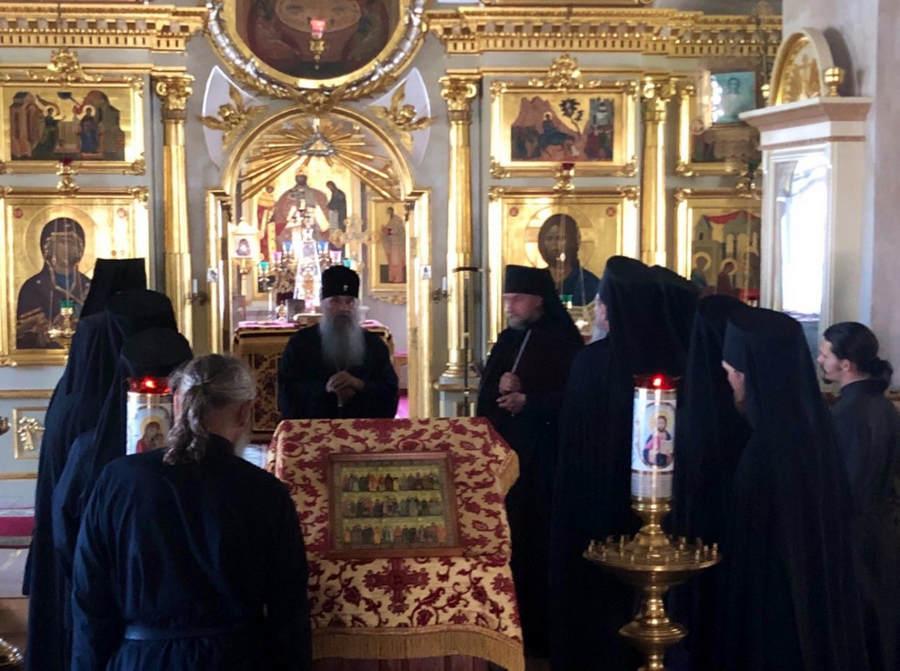 Митрополит Санкт-Петербургский и Ладожский Варсонофий вместе с епископом Выборгским и Приозерским Игнатием посетил Коневский монастырь