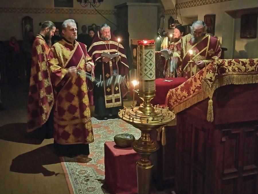 Мощи преподобного Арсения Коневского изнесены из Коневской обители в Рославльскую епархию