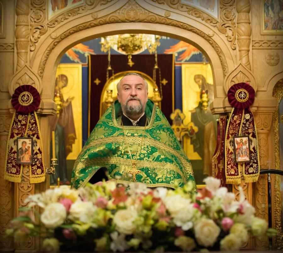 Наместник Коневской обители совершил молебен перед мощами прп.Арсения Коневского на петербургском подворье монастыря