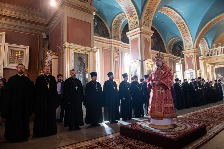 Наместник Коневского монастыря сослужил епископу Выборгскому и Приозерскому Игнатию за Пасхальной вечерней