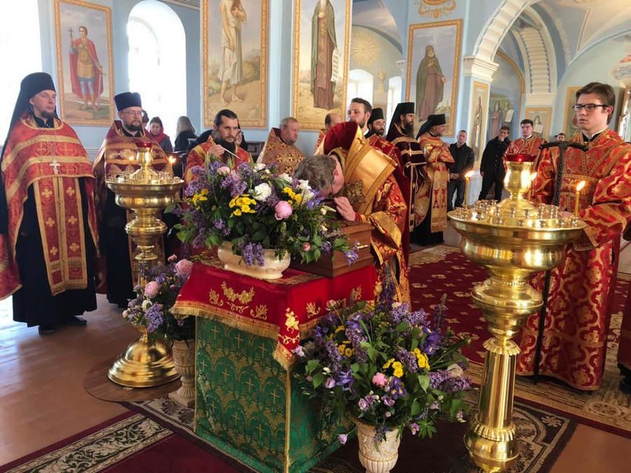 Владыка Игнатий совершил Всенощное бдение накануне празднования памяти обретения мощей прп. Арсения Коневского