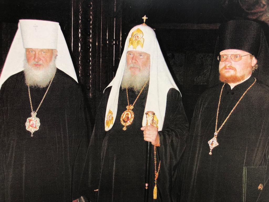 Духовенство и миряне Выборгской епархии поздравляют Преосвященнейшего Игнатия с 14-летием архиерейской хиротонии.