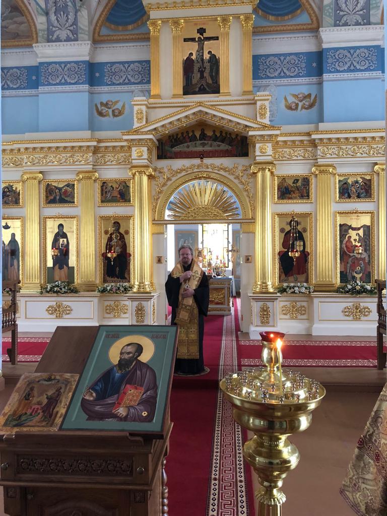 Владыка Игнатий молился за вечерним богослужением и совершил освящение образа святого апостола Павла в Коневском монастыре