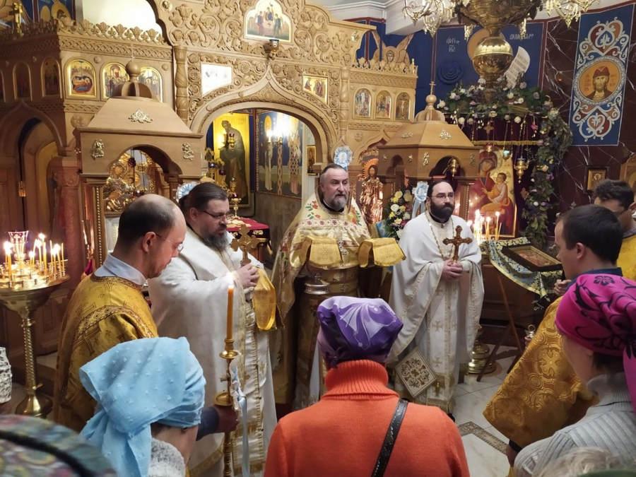 Наместник Коневской обители совершил Литургию на петербургском подворье монастыря