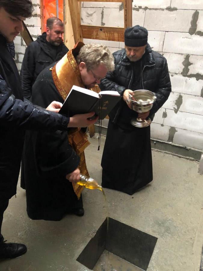 Преосвященнейший Игнатий совершил чин закладки камня в основание храма в честь Всех Коневских святых во Владимирской бухте