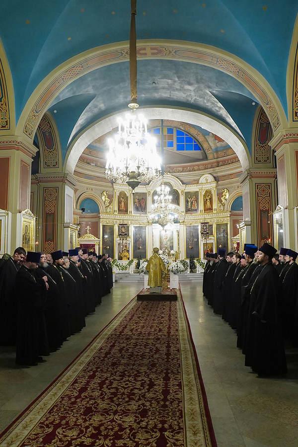 Епископ Выборгский и Приозерский Игнатий возглавил богослужение Великой вечерни в сослужении всего духовенства епархии