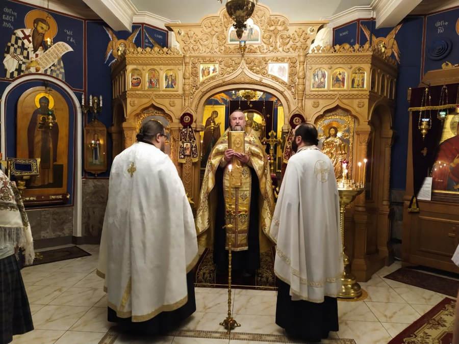 Накануне Недели о Страшном суде наместник Коневского монастыря возглавил Всенощное бдение на петербургском подворье обители
