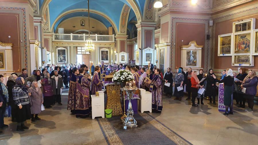 Святыни Коневской обители прибыли в Выборг
