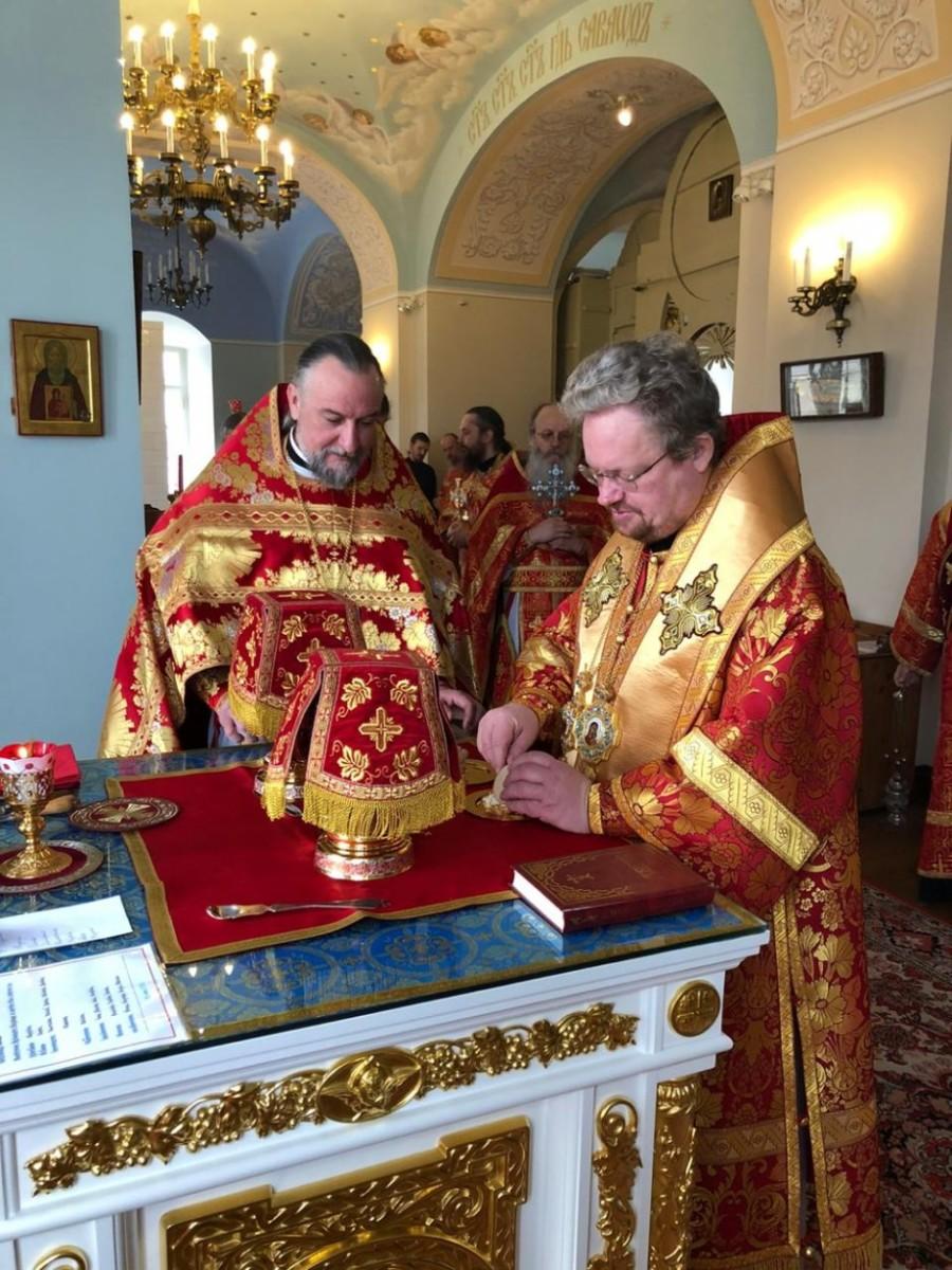 Во вторник Светлой седмицы епископ Выборгский и Приозерский Игнатий совершил Литургию в Коневском монастыре