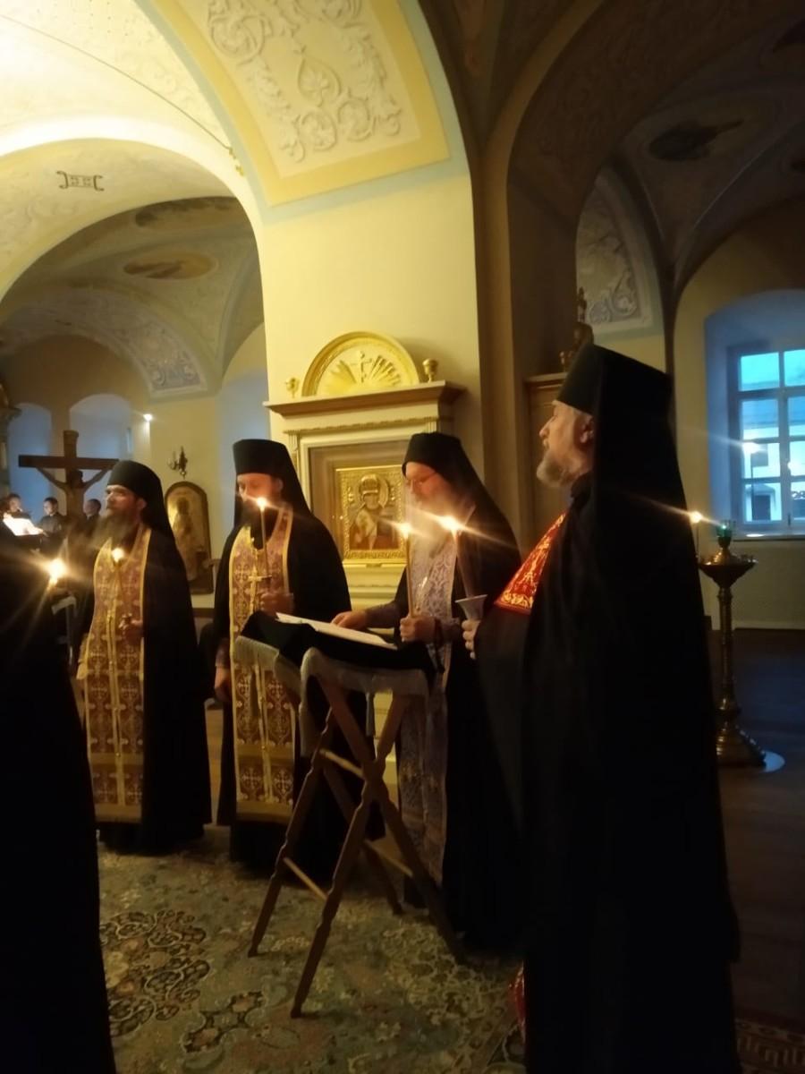 В Коневской обители совершено богослужение, именуемое Мариино стояние