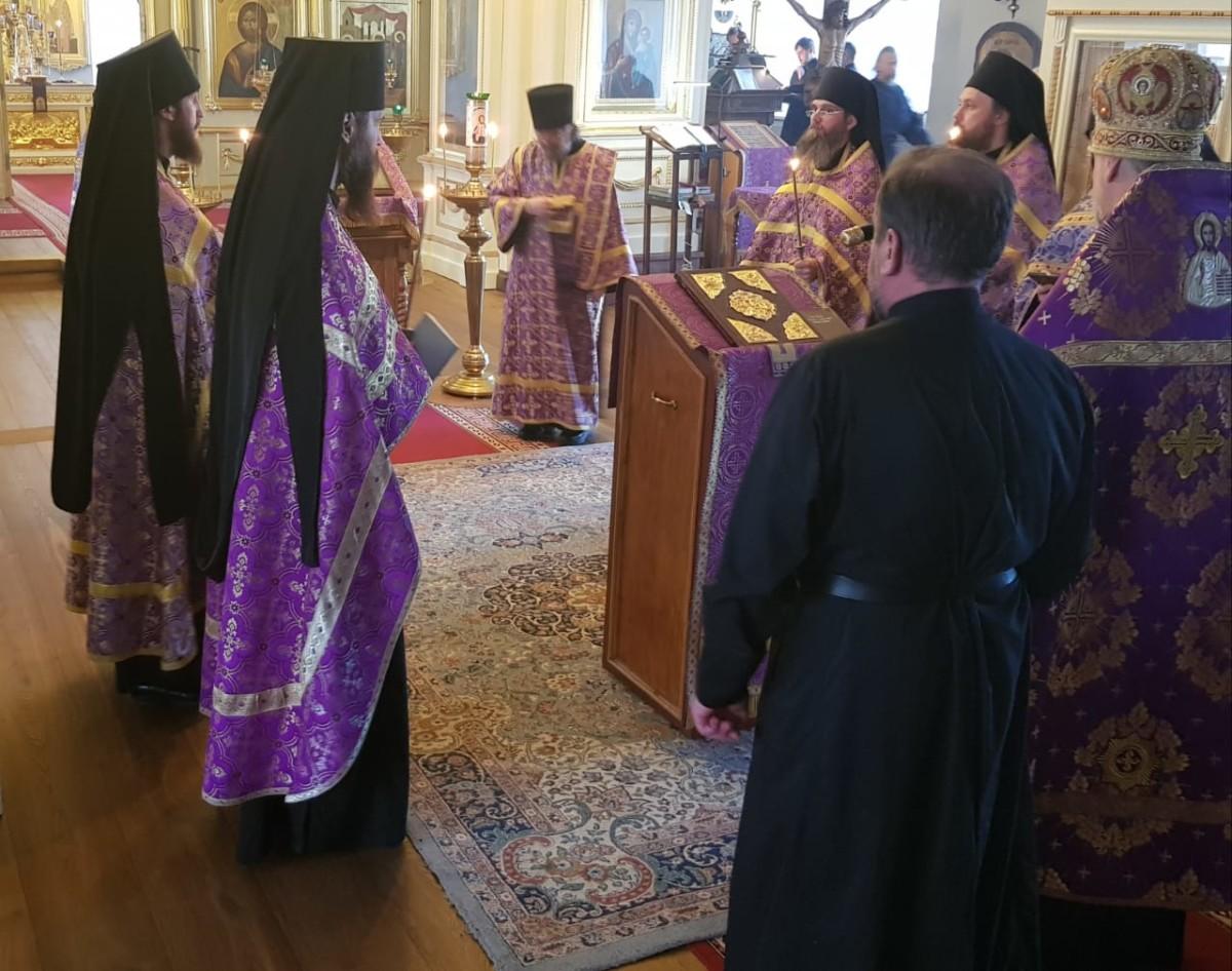 Чтение Страстных Евангелий совершено в Коневской обители