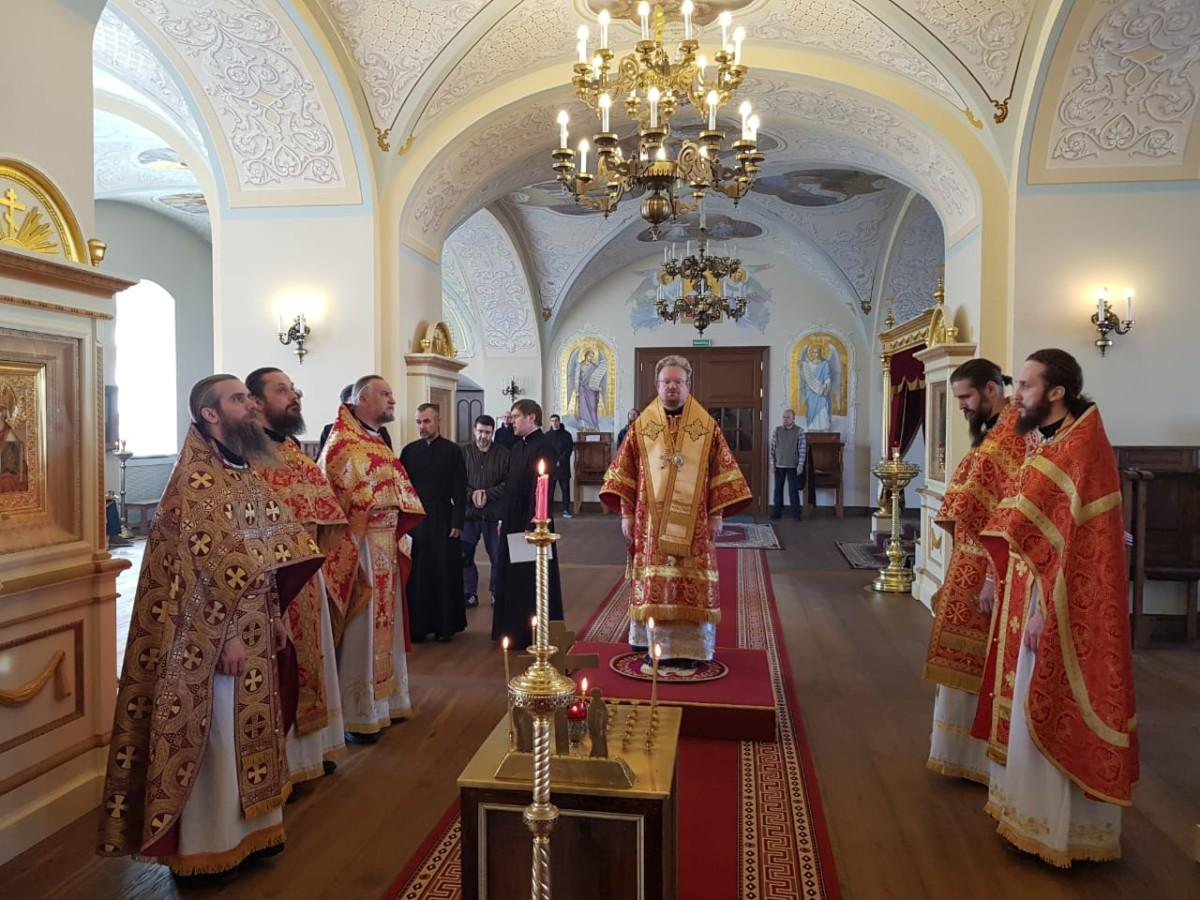 Владыка Игнатий совершил  Божественную литургию в Коневском монастыре
