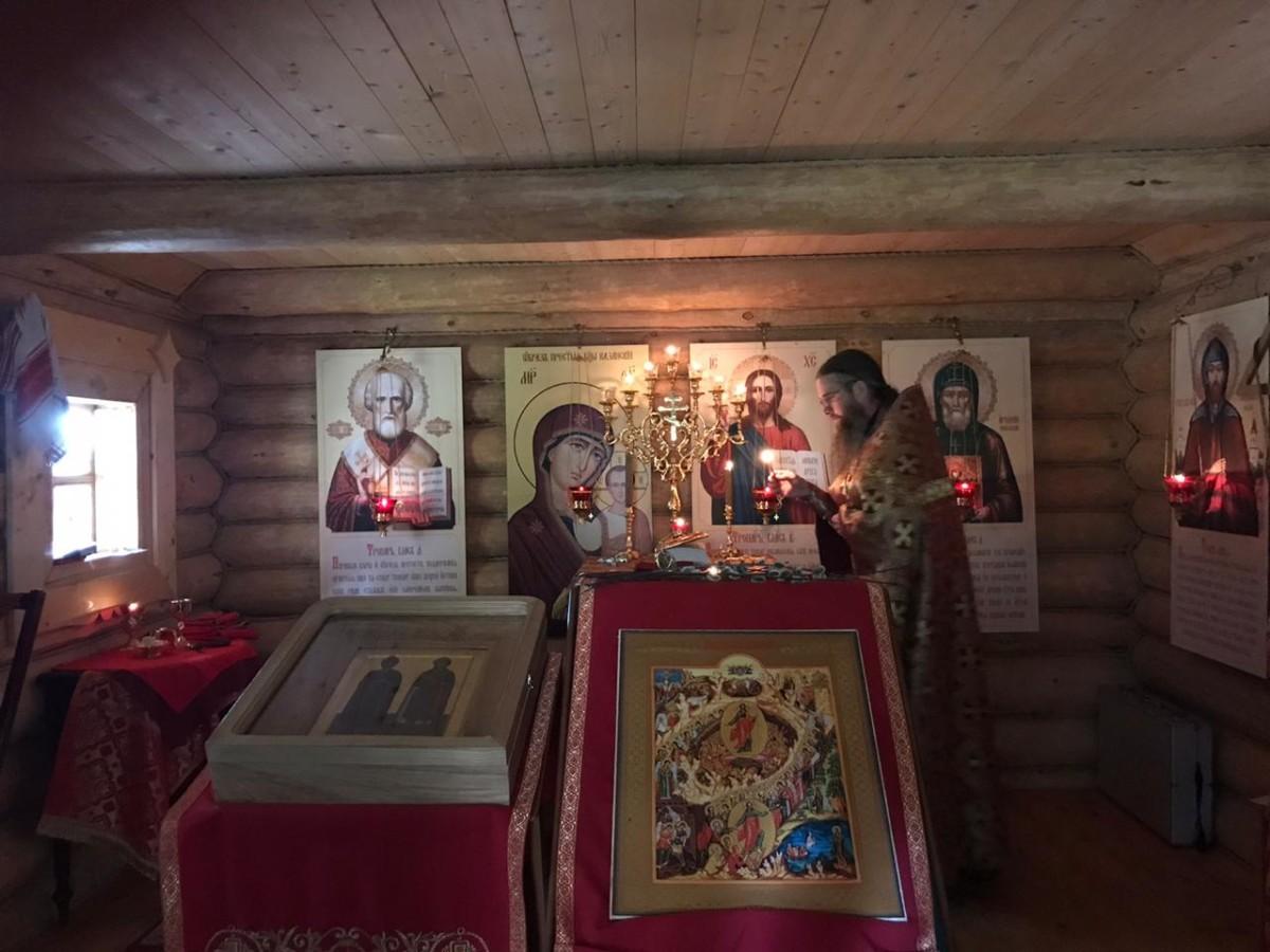 В Борисоглебской часовне на Коневце совершена Божественная литургия