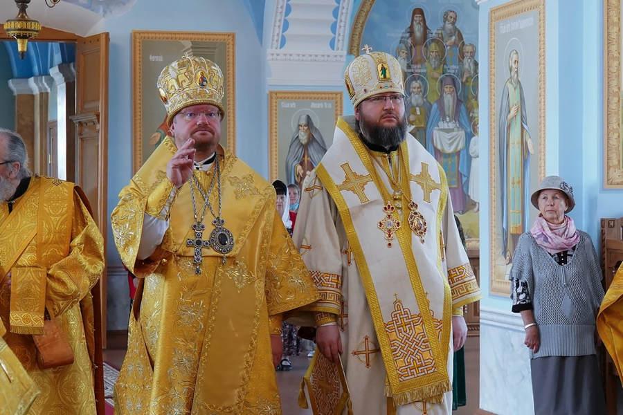 В Коневской обители состоялось празднование 15-летия архиерейской хиротонии епископа Выборгского и Приозерского Игнатия
