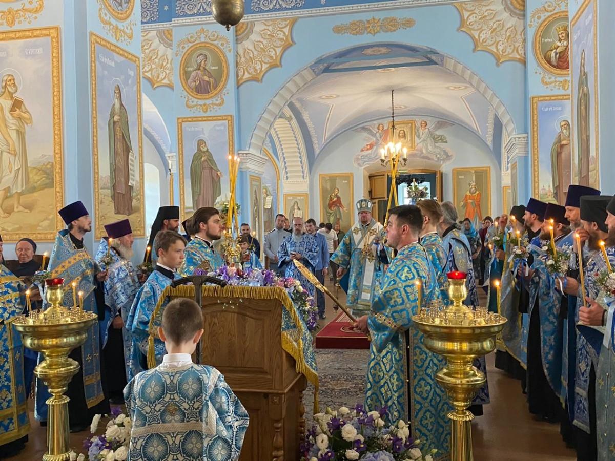 В монастыре начались торжества в честь Коневской иконы Божией Матери
