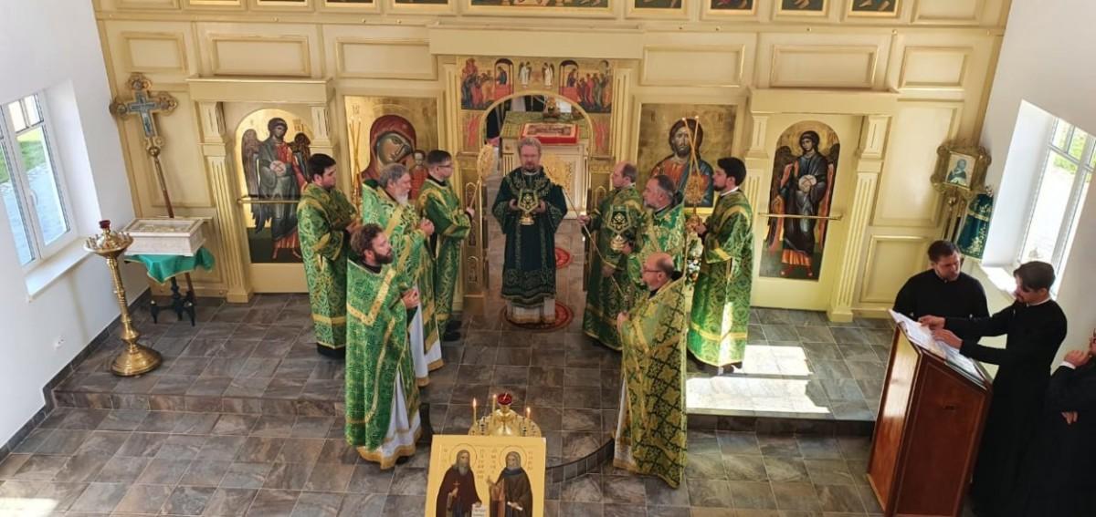 Епископ Выборгский и Приозерский Игнатий освятил Великим чином храм на подворье Коневской обители во Владимирской бухте