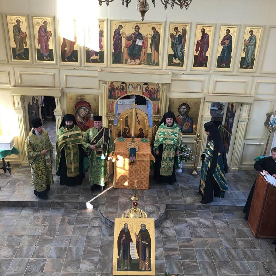На подворье Коневского монастыря в бухте Владимирская накануне Великого освящения храма совершено Всенощное бдение