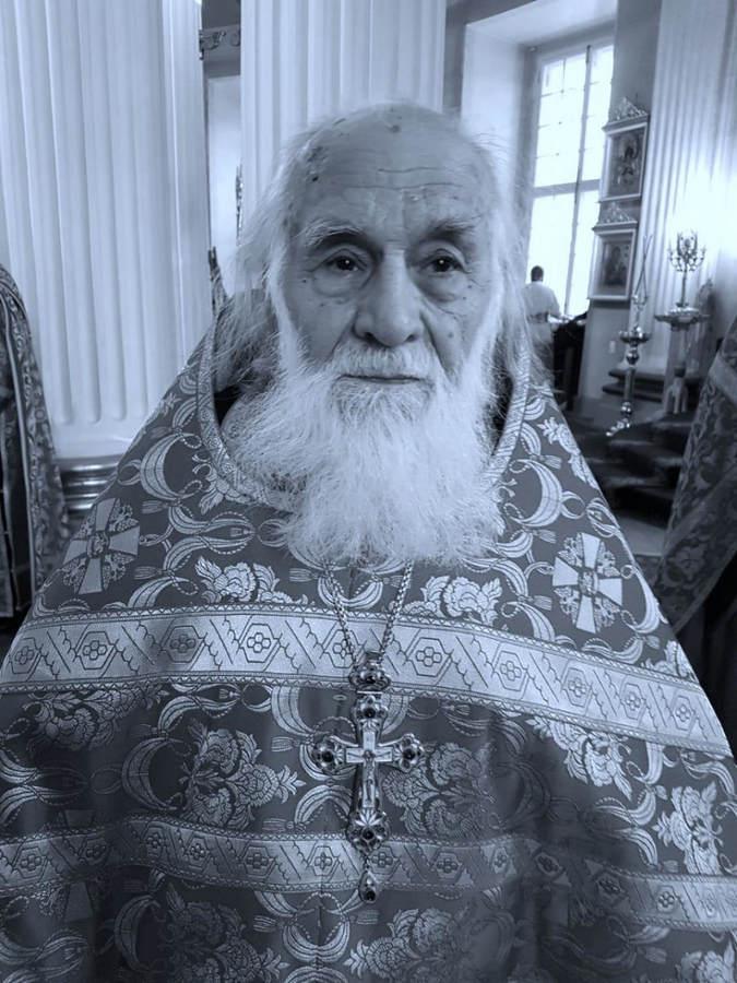 Владыка Игнатий совершил литию по новопреставленному протоиерею Василию Стойкову, духовнику Тихвинской епархии