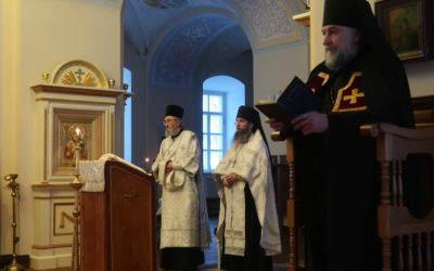 В Коневском Рождество-Богородичном монастыре совершены богослужения Навечерия Крещения Господня
