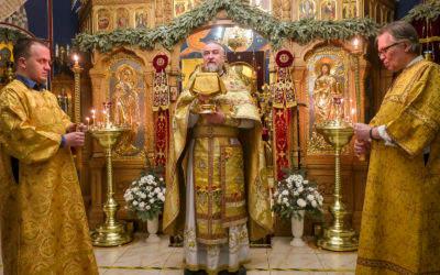 В Неделю 34-ю по Пятидесятнице Всенощное бдение и Литургию на петербургском подворье Коневского монастыря обители возглавил наместник обители