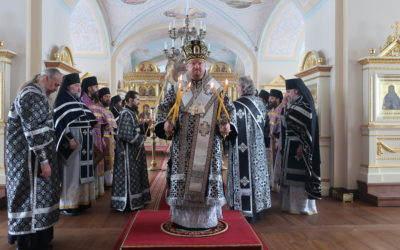 Владыка Игнатий возглавил Литургию Преждеосвященных Даров и уставные богослужения в Коневском монастыре