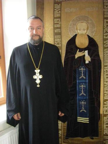 право ношения креста с украшениями