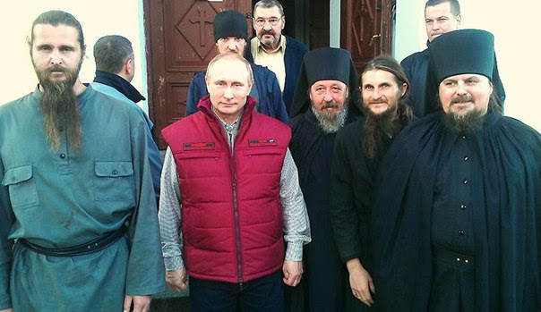 Президент России Владимир Путин посетил Коневский мужской монастырь 12 июля 2016 года