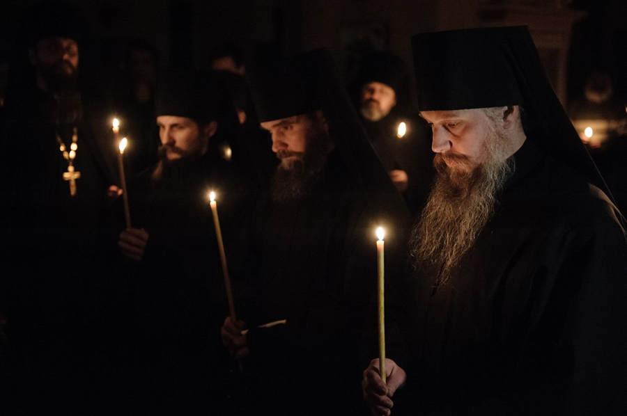 Приуроченная к юбилею епархии фотовыставка «Коневец — святыня, которая рядом» пройдет в петербургской библиотеке им.Тимирязева
