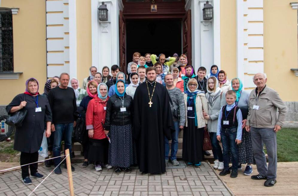 Паломники со всей епархии посетили Коневец в день памяти преподобного Арсения Коневского .