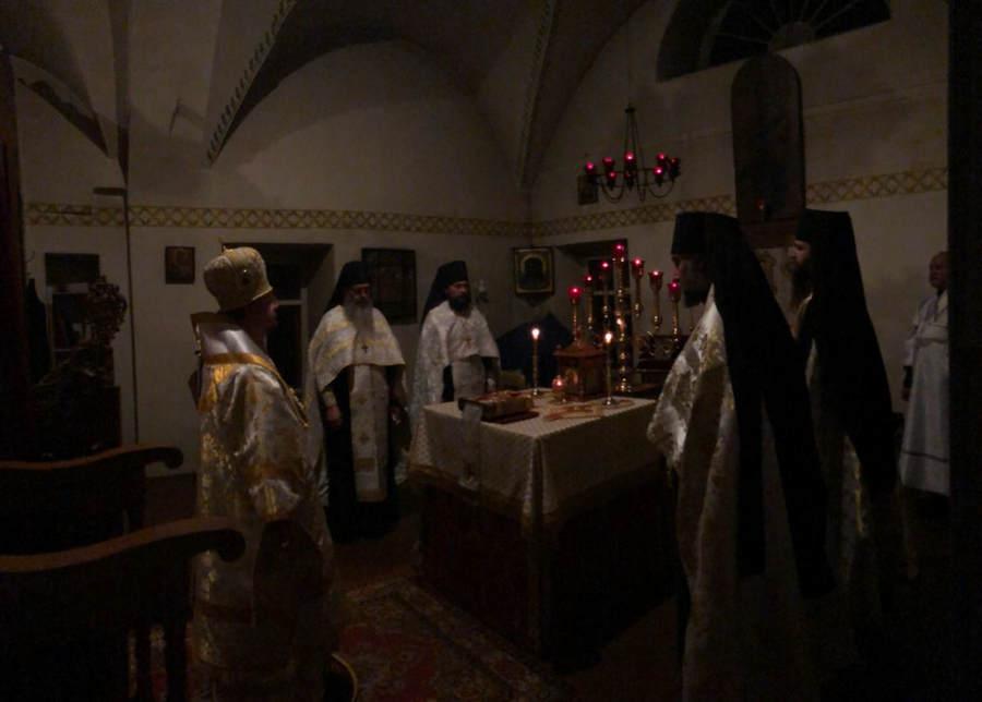 Преосвященнейший Игнатий совершил Всенощное бдение накануне Крещения Господня в Коневской обители