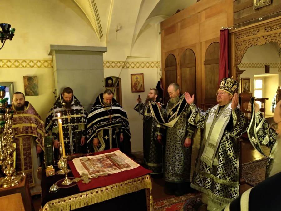 Преосвященнейший Игнатий совершил Литургию Преждеосвященных Даров в Коневской обители
