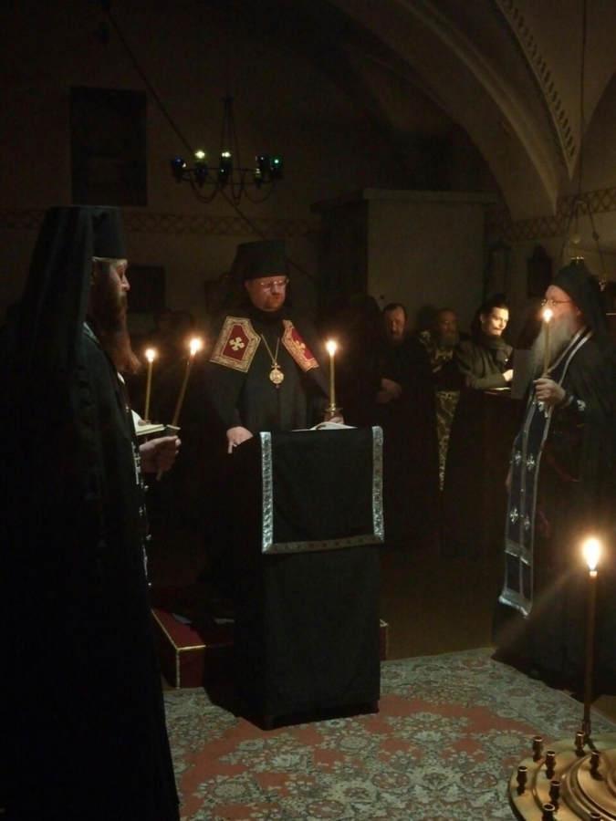 Преосвященнейший Игнатий совершил богослужение Мариина стояния и утреннюю Литургию в Коневской обители