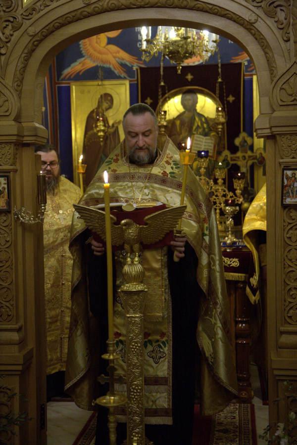 Наместник Коневской обители, игумен Александр (Арва) совершил Всенощное бдение на петербургском подворье монастыря