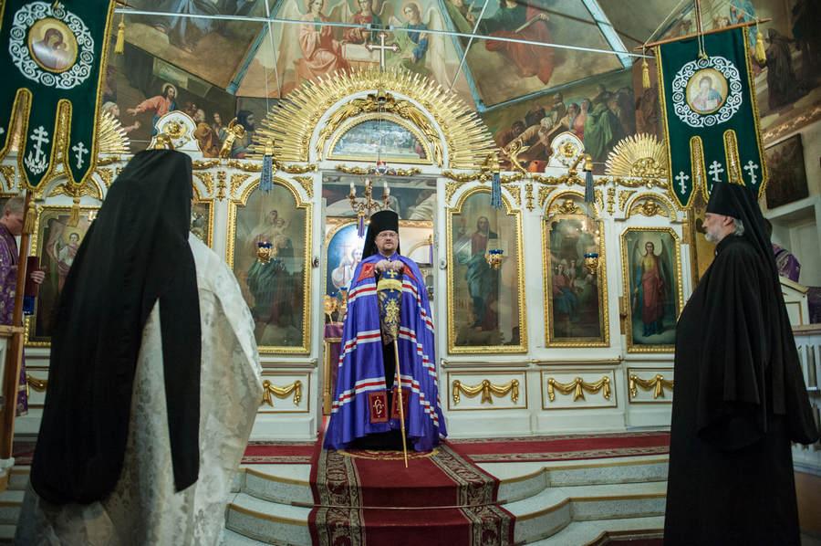 Наместник Коневской обители сослужил епископу Выборгскому и Приозерскому Игнатию, священноархимандриту монастыря, за Литургией в Великий Четверг во Всеволожске