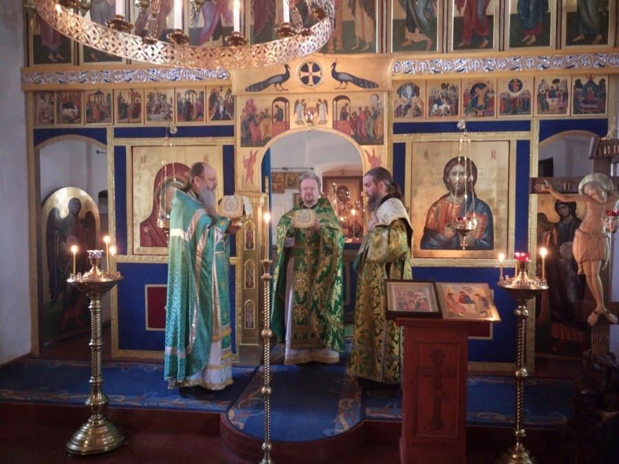Преосвященнейший Игнатий принял главу Киришского НПЗ и делегацию предприятия в Коневской обители