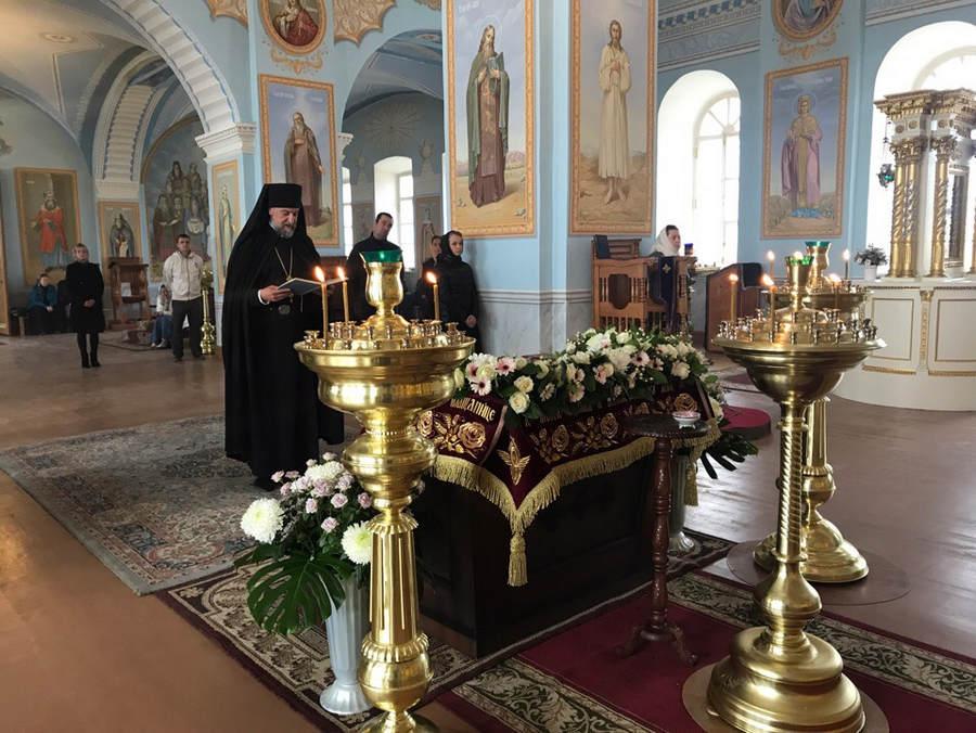 Богослужения Великой Субботы совершены на Коневце