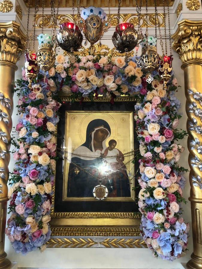 Преосвященнейший Игнатий и епископ Рославльский и Десногорский Мелетий совершили последование малой вечерни с акафистом в Коневском монастыре