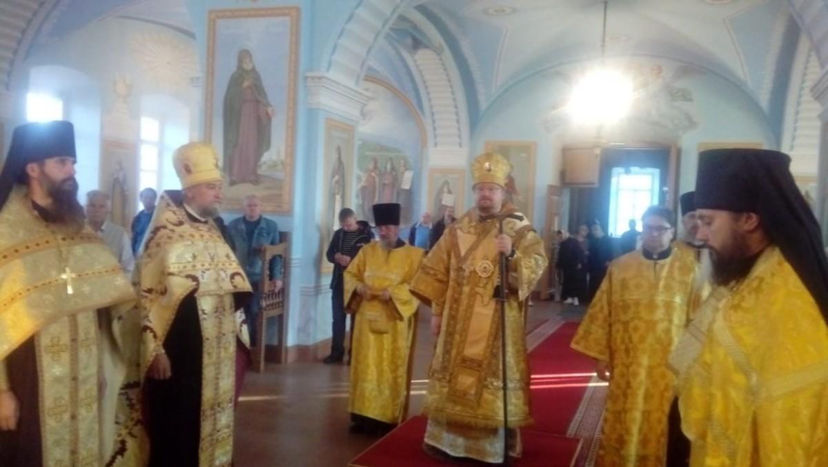 Епископ Выборгский и Приозерский Игнатий совершил богослужения Недели 4-й по Пятидесятнице в Коневской обители