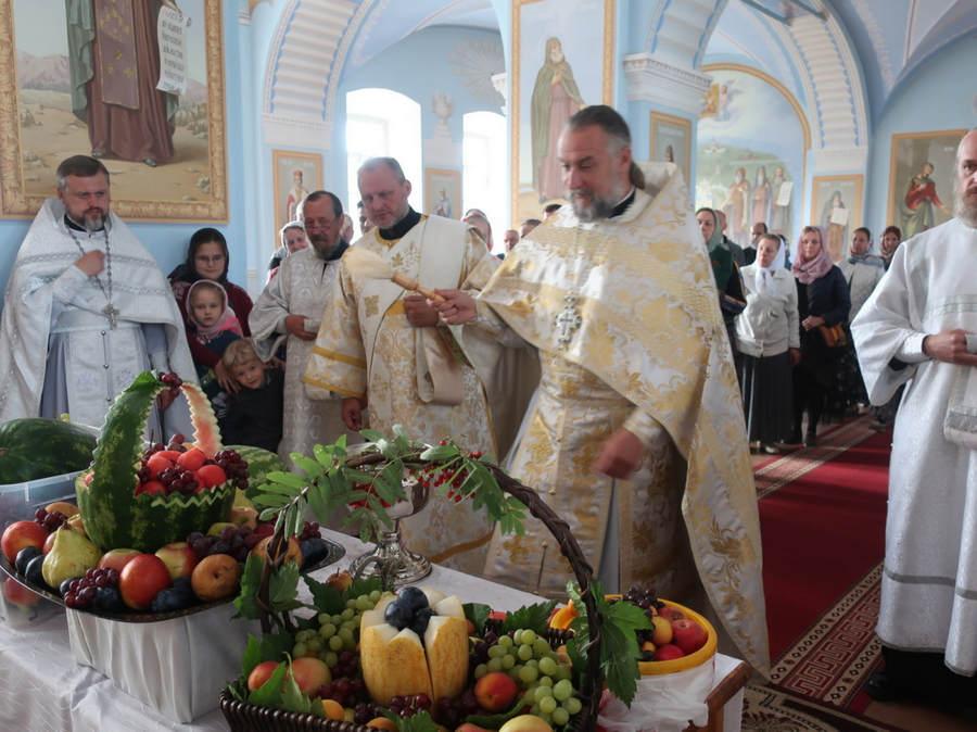 В Коневском монастыре совершены богослужения праздника Преображения Господня