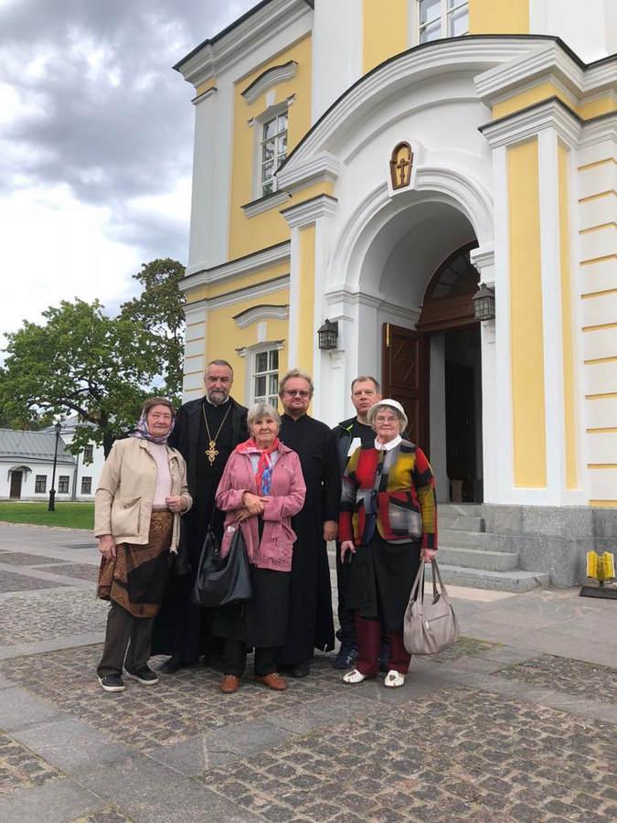 В Коневский монастырь возвращен исторический рукописный документ — описание обители, составленное в конце XIX века