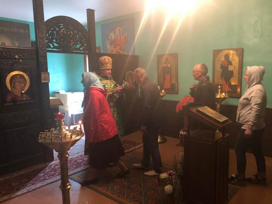 Молебен на начало строительства храма совершен в трехлетие основания подворья Коневского монастыря во Владимирской бухте