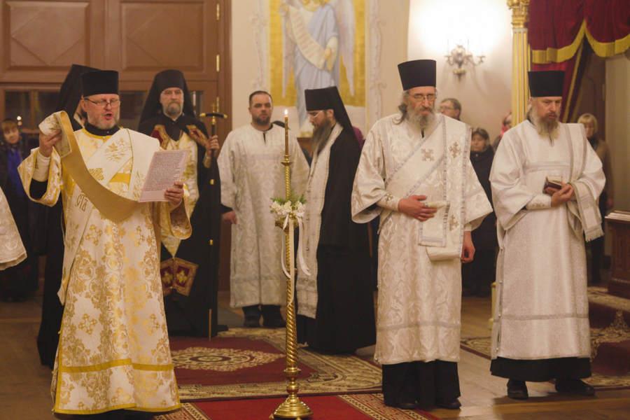 В Коневской обители Рождество Христово молитвенно встретили ночным богослужением