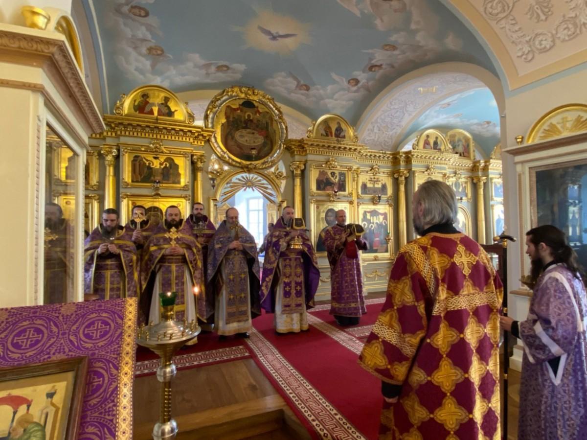 В Неделю Торжества Православия в Коневском  монастыре совершены праздничные богослужения