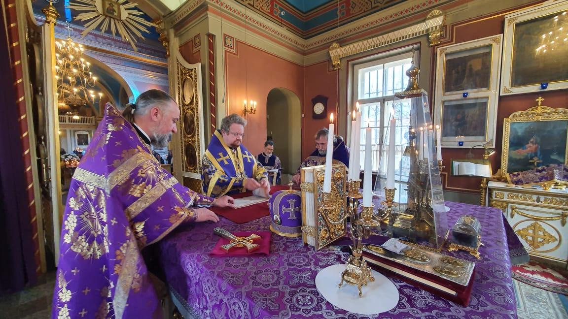 Наместник Коневского монастыря сослужил епископу Выборгскому и Приозерскому Игнатию за Литургией в Выборге