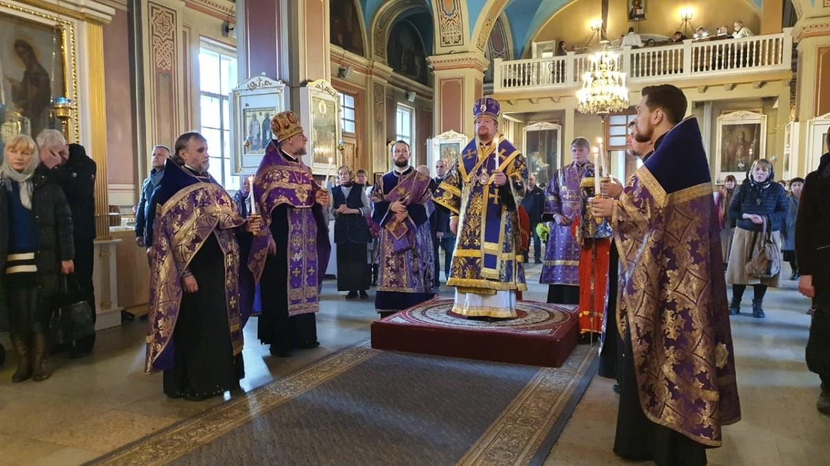 Наместник Коневского монастыря сослужил епископу Выборгскому и Приозерскому Игнатию за Всенощным бдением  в Выборге